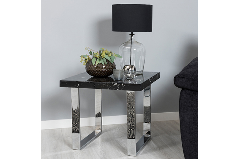 Noir Table